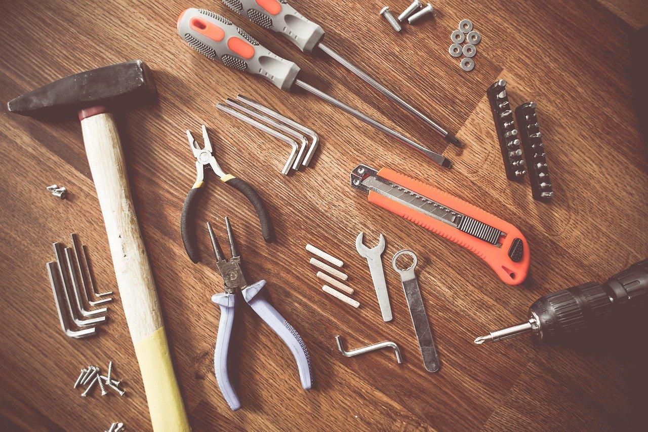 Sztachety metalowe – co warto wiedzieć?